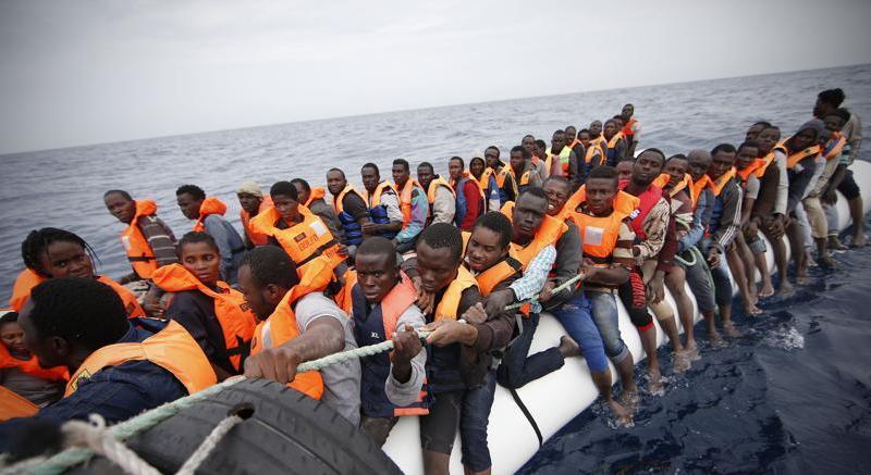 Sono giunti a Pozzallo i 30 migranti sopravvissuti al naufragio al largo delle coste libiche in cui hanno perso la vita 21 persone