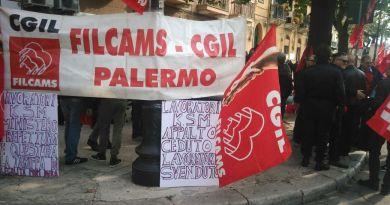 """Sit-in di protesta delle guardie giurate della Ksm di Palermo. La solidarietà dei Cinquestelle. Gelarda: """"Dobbiamo salvaguardare i posti di lavoro"""""""