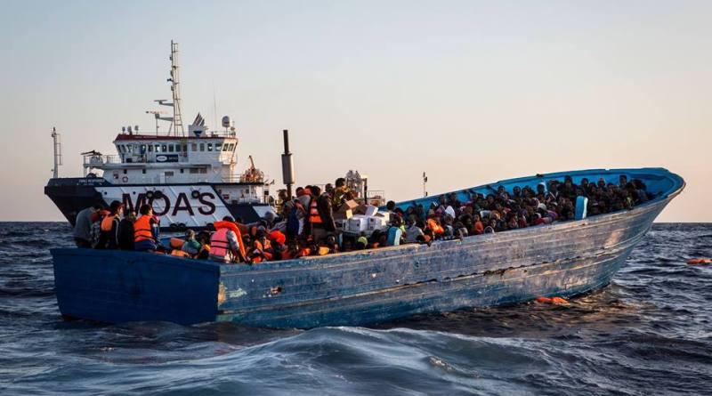 Cadavere bambino di 10 anni tra i migranti