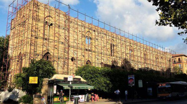 Istituto delle Croci, ad angolo di via Libertà