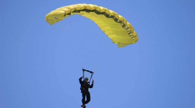 morto paracadutista