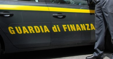 Messina, in traghetto con 57 chili di marijuana nell'auto: arrestato