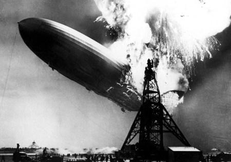 Il disastro dell'Hindenburg a Lakehurst, New Jersey, Stati Uniti - 6 maggio 1937