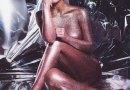 Nuda e dorata, Kim Kardashian fa impazzire la rete. Il video scandalo
