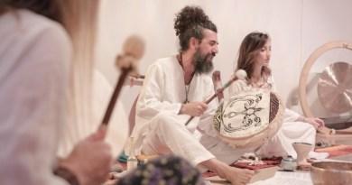 Un momento di meditazione guidata grazie al cerchio sciamanico che sarà condotto da Prem Antonino a Ragusa, fondatore di Love Shaman Way