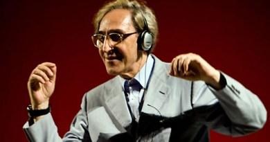 """""""Stroncato da un infarto, Franco Battiato è morto"""". La notizia si è diffusa in fretta sui social, scatenando la tristezza tra i fan del Maestro, cantautore e compositore, catanese. Ma si trattava soltanto dell'ennesima bufala di qualche pagina web affamata di click."""