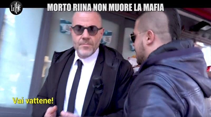 A pochi giorni dalla morte di Totò Riina, Le Iene tornano a Palermo nel quartiere di Borgo Vecchio con l'inviato Giulio Golia