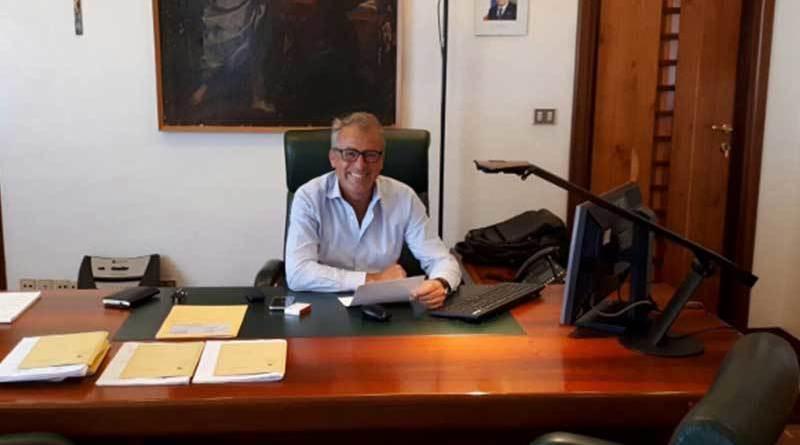 Catania, dimissioni di massa dei presidenti di seggi: scrutini a rilento