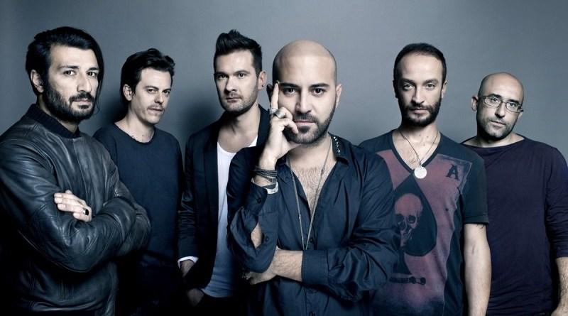 Dopo un periodo di crisi, nuovo album in studio per i Negramaro con Amore che torni, anticipato dal singolo Fino all'imbrunire