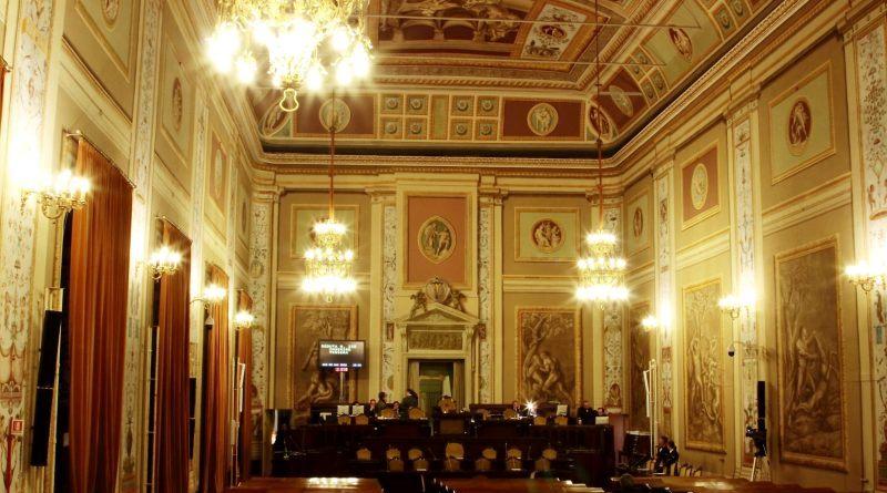 I Cinquestelle accusano, Micciché rimanda al mittente l'attacco. Ieri in una nota i deputati regionali del Movimento Cinquestelle annunciavano il presunto no alle dirette streaming delle commissioni legislative dell'Ars. Oggi a ribattere è il primo inquilino di sala d'Ercole