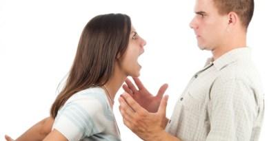 """""""Donna stupida, io ti amo"""": è il messaggio dell'uomo medio"""