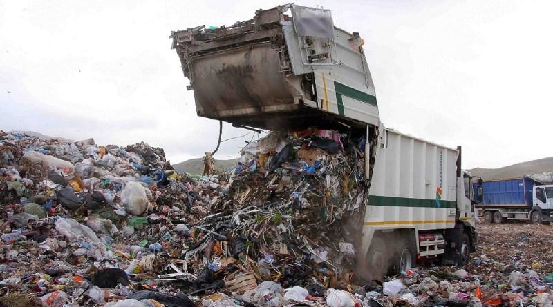 """Gestione rifiuti, i sindacati: """"Il governo apra confronto su futuro lavoratori"""""""