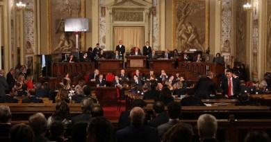 Dubbi da parte della Corte dei conti sulla legittimità delle assunzioni di 88 portaborse all'Ars: il decreto che ha messo a disposizione oltre 58 mila euro per ogni deputato potrebbe non essere mai passato al vaglio del Consiglio di presidenza