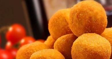 Zucca, funghi e riso integrale: l'arancina vegana di Marta Ansaldo