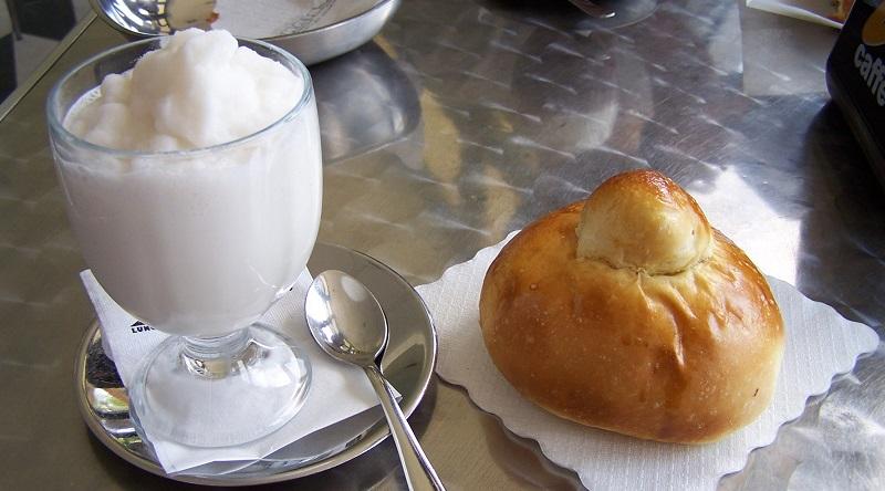Migliori granite Sicilia Una gelateria di Oliveri, in provincia di Messina, vince il Primo concorso mondiale per la migliore granita al Salone internazionale di pasticceria e gelateria che si è tenuto a Rimini
