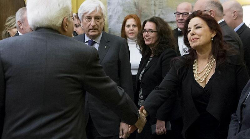 La giornalista palermitana del Tg1 Maria Grazia Mazzola è stata aggredita mentre stava intervistando la moglie di un boss a Bari
