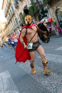 Pippo Stancampiano nei panni di Leonida