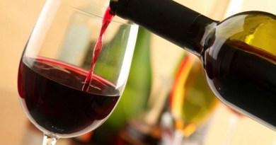 """Due bicchieri di vino al giorno """"ripuliscono"""" il cervello"""