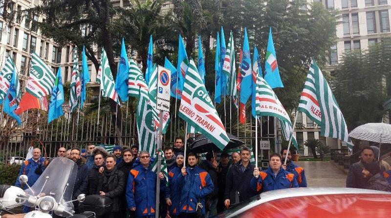 Sciopero dei dipendenti E-Distribuzione, sit-in davanti alla sede Enel a Palermo