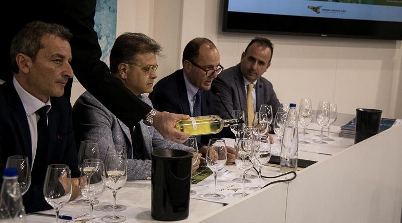 """Vinitaly 2018, Kerin O'Keefe, italian editor della rivista statunitense Wine Enthusiast: """"Doc Sicilia, crescita incredibile"""""""