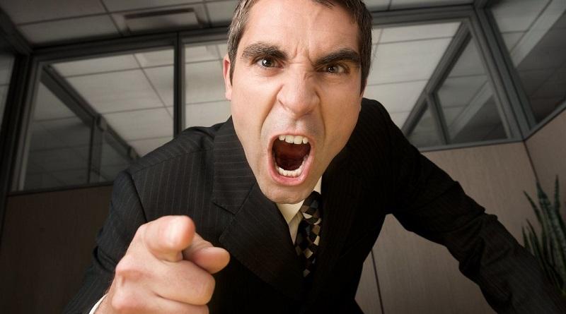 I capi sono tra le principali cause di stress sul lavoro e possono essere dannosi per i propri dipendenti più del fumo passivo. Lo dice uno studio americano