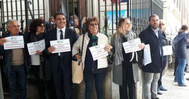 Palermo, all'Archimede flash mob contro la violenza nelle scuole - VIDEO