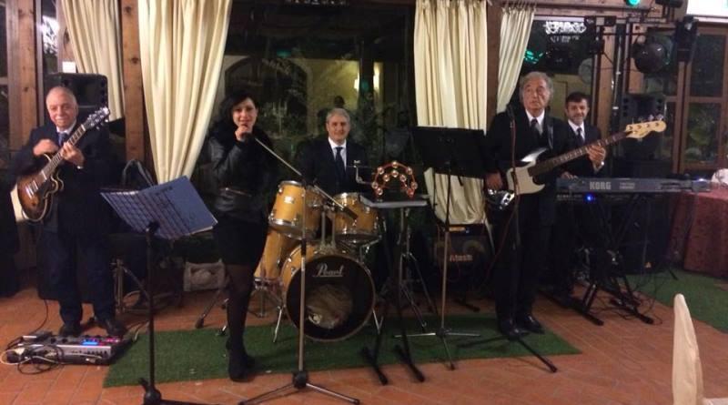 """Palermo, in vicolo Cagliostro concerto dei Latino Retrò promosso da """"Officina Ballarò"""""""