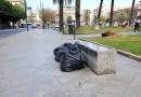 Palermo, sacchi neri di rifiuti a due passi dai monumenti. Ma per il Comune è tutto a posto