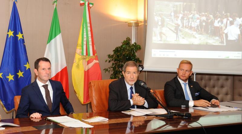 Le bellezze della Sicilia a bordo dei treni storici, previsti 23 itinerari turistici e 50 corse