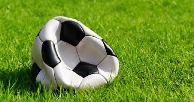 Pallone da calcio bucato