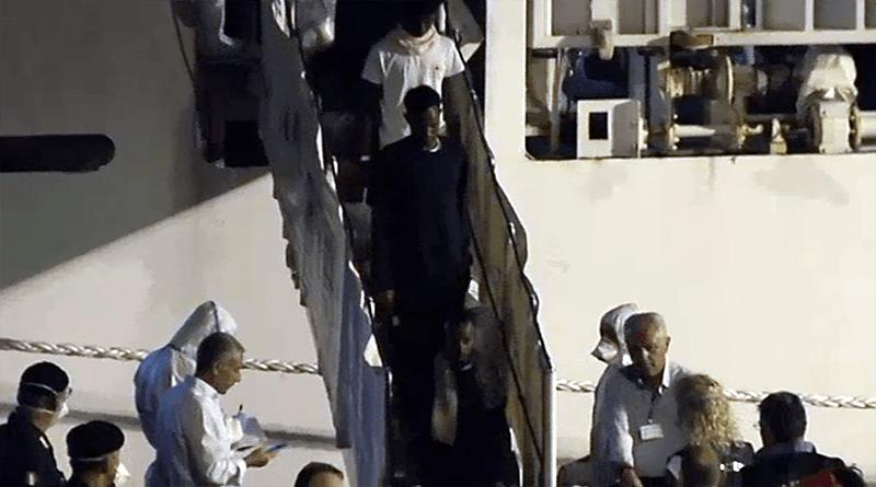 sbarco migranti dalla Diciotti