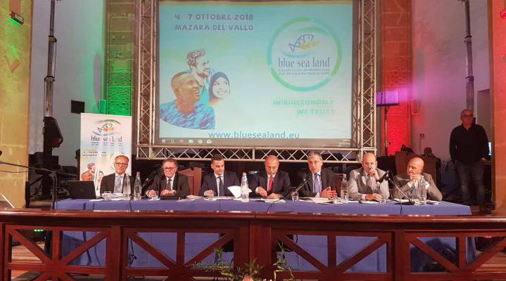 Da destra, al tavolo: Turano, Bartolo, De Luca, Falgares, Bandiera, Salerno, Moschitta