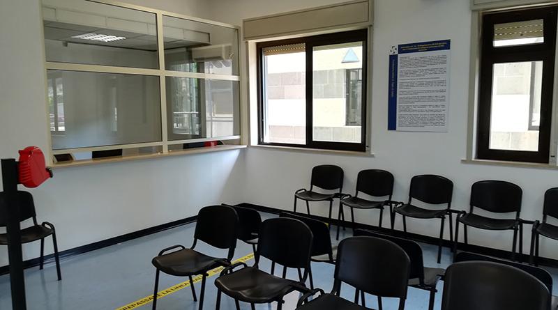 Laboratorio di analisi, sala d'attesa