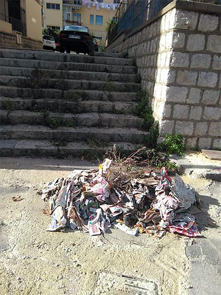 strade sporche Arenella - Verginemaria