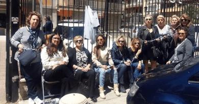 Presidio lavoratori incatenati davanti assessorato al Lavoro via Trinacria a Palermo