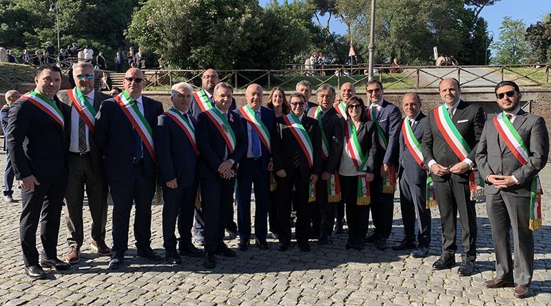 Anci Sicilia, delegazione sindaci con fascia