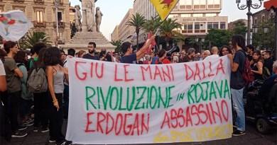 Manifestazione Catania contro guerra Turchia curdi in Siria
