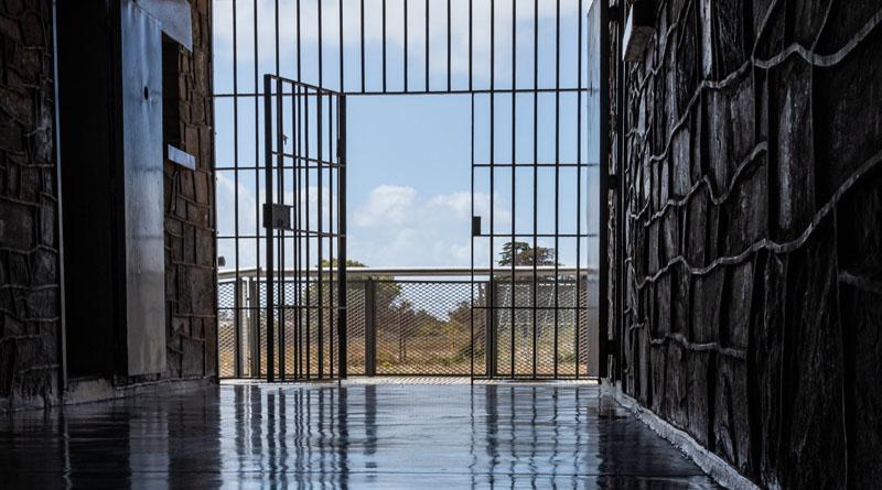 porta aperta prigione