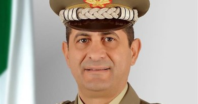 Draghi licenzia Arcuri. Il nuovo Commissario anti-covid è il generale di corpo d'armata Francesco Paolo Figliuolo