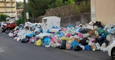 """Rifiuti Catania, ASIA USB : """"Assessore Cantarella, chi decide quale vie devono essere liberate dalla spazzatura?"""""""
