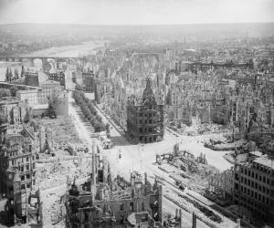Dresda: la città dopo il bombardamento degli Alleati del 13 febbraio 1945