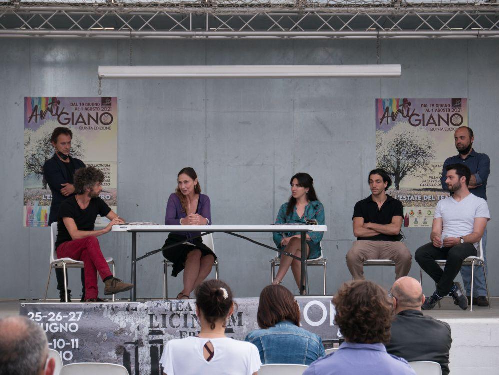 Read more about the article ArtiGiano 2021: riprende il rito collettivo del teatro