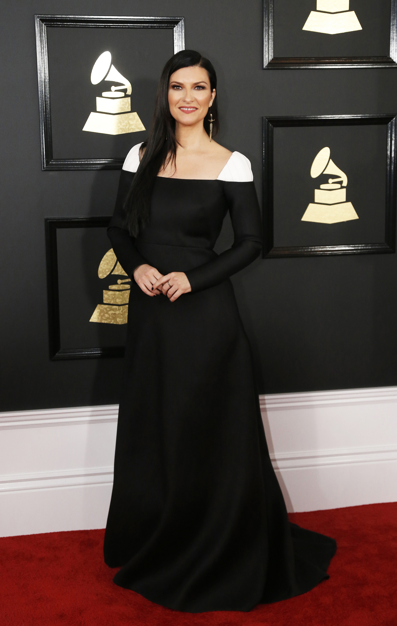 Grammy 2017 Laura Pausini  una delle pi eleganti per Vogue