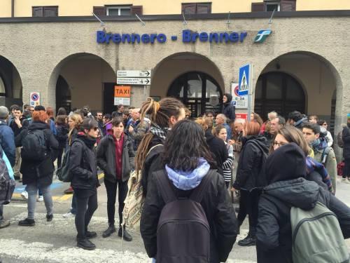 Brennero, manifestazione pro migranti 5