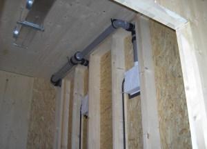 IN CANTIERE. Alcune immagini relative alle diverse fasi di installazione impianti. (foto: Moriggl)