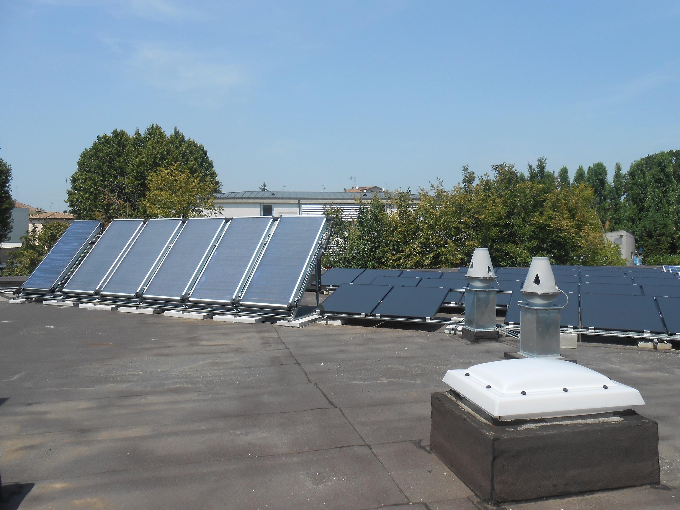 Impianto solare termico per una palestra green gt il for Pannelli solari per acqua calda ultima generazione