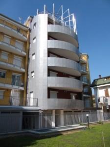 """L'EDIFICIO Eco-Solare """"Ecosun Building"""" realizzato a Milano, in zona Bicocca."""