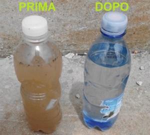 IL RISULTATO. Nella foto due campioni d'acqua: prima e dopo il trattamento.