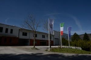 La sede Laminox Srl di Sarnano (MC).