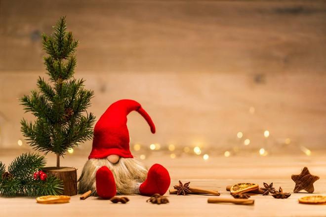 Come aiutare i nostri figli a scrivere simpatici pensieri per i regali di natale? Buon Natale E Buone Feste Le Frasi E Le Citazioni Migliori Da Inviare Ilgiornalelocale It